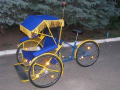 Пассажирская велорикша с консольным креплением