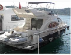 Vessels are sports motor: boats, Azimut 42 yach