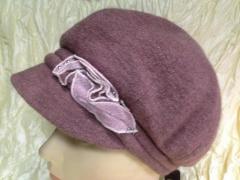 Женская кепка с украшением цвет фрезия