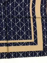 Шейный платок с добавкой шёлка с рисунком цвет
