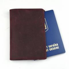 Кожаная обложка для паспорта цвета марсала...