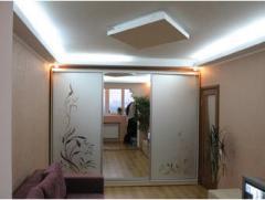 Шкафы-купе зеркальный с матовым рисунком