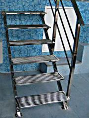 Лестницы из нержавеющей стали.