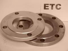 Flanges from carbonaceous steel