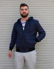 Тёмно-синяя ветровка мужская с капюшоном из