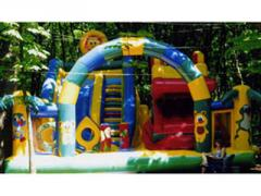 Kids inflatable mazes