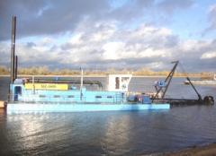 Vessels floating pump dredges. Dredges of
