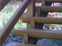 Ступени для лестниц деревянные.