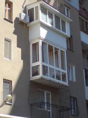 Ограждения балконов, лестниц, остекление балкона,