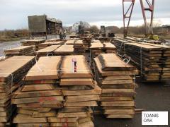 The board is cut / not cut, oak
