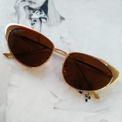 Женские коричневые очки в металлической оправе