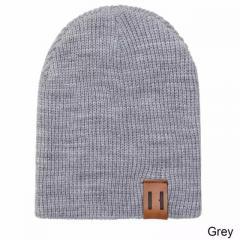 Детская тёплая модная шапка хип-хоп с лейбой серый