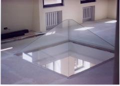 Products from glass different - a pyramid from the