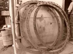 Flanges of vessels and devices steel