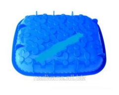 Rectangular silicone shape with camomiles.