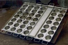 Формы для производства мягких сыров.