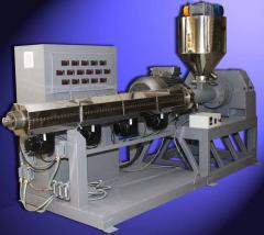 Equipment for processing of plastic, Extruders for