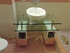 Умывальник со стеклянной столешницей в наборе