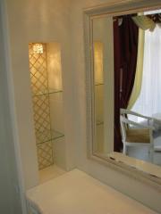 Полки стеклянные для ванной комнаты в нишу, ...
