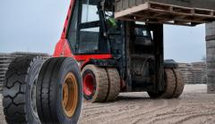 Tires industrial for a loader