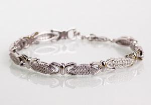 Bracelet silver wired with cubic zirconias