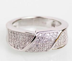 Серебряное родированное кольцо с фианитами, проба