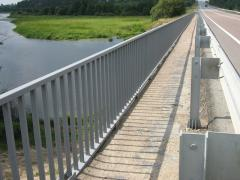 Metal barrier protection