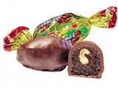 Финик с грецким орехом в шоколадной глазури