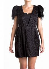 Платье черное с перьями