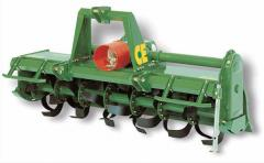 Cultivators milling Ukrainian and foreign