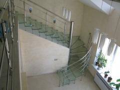 Сходи консольні зі скляними щаблями