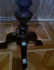 Подставка  деревянная, под телефон, статуэтку, вазон