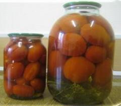 The tomatoes preserved from the producer