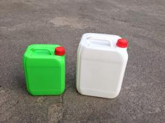 Blown plastic canisters of 5 and 10 liters