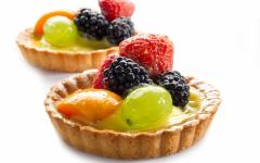 Fruit in gel