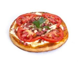 Пицца с ветчиной/ с салями/ с курицей