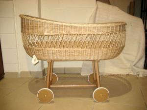 Плетеные изделия из прутьев, соломы, бамбука,