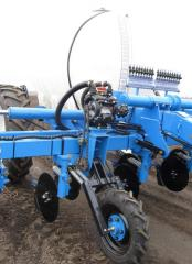 The applicator PZhU-5000-02 is intended for continuous entering into the soil of liquid fertilizers: ammonia liquor, KAS.