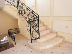 Лестницы из мрамора и гранита, Лестницы