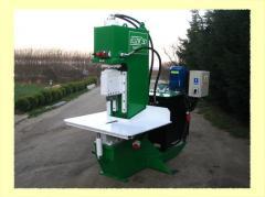 Kamnekolny hydraulic press of Kuzik-50.