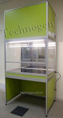 The laminar-flow cabinet with a vertical stream of
