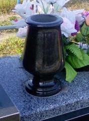 Квіткарки для пам'ятників