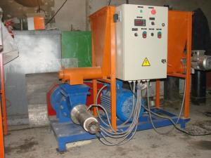 Прессэкструдеры ЭТ-200 для линии производства