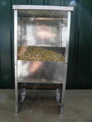 Bunker feeding trough with a viewing window and a