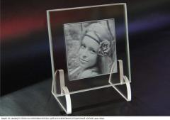 Photo in glass, a laser engraving 2D and 3D