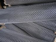 Сетка РАБИЦА 15х15 и 10х10 черная и оцинк высотой 1 м из проволоки 1-1,6мм - для ограждений, отсечки бетона, штукатурных работ, изготовления перегородок, секций ограждения. Под заказ изготовление сетки Рабицы 50х50, 35х35, 25х25, 60х60 высотой до 4 м