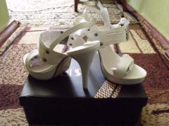 Sandalias de mujeres