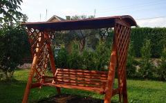 Садовые качели деревянные
