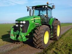 Тракторы John Deere 7930