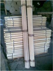Черенки деревянные для лопат и граблей.